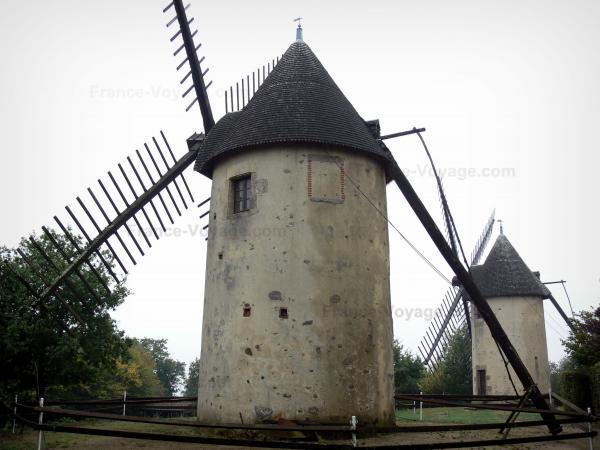 Les Moulins De Vend U00e9e