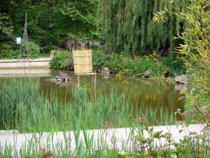 Parc de bercy 11 images de qualit en haute d finition - Jardin romantique definition nantes ...