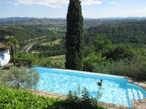 G te de l 39 escourbis location de vacances vernon for Camping ardeche avec piscine pas cher