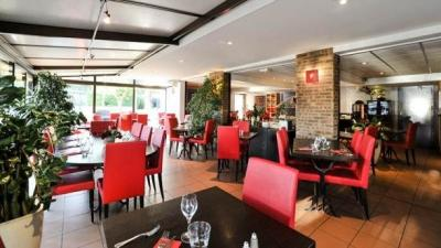 restaurant cannelle n 238 mes inter h 244 tel costi 232 res restaurant in n 238 mes